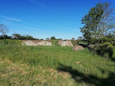 murs enceinte bectiere anneville